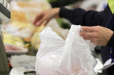 Sacolas plásticas serão eliminadas do comércio também em Friburgo