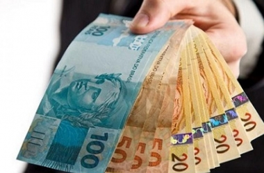 Salário mínimo deve chegar a R$ 1.039 no ano que vem