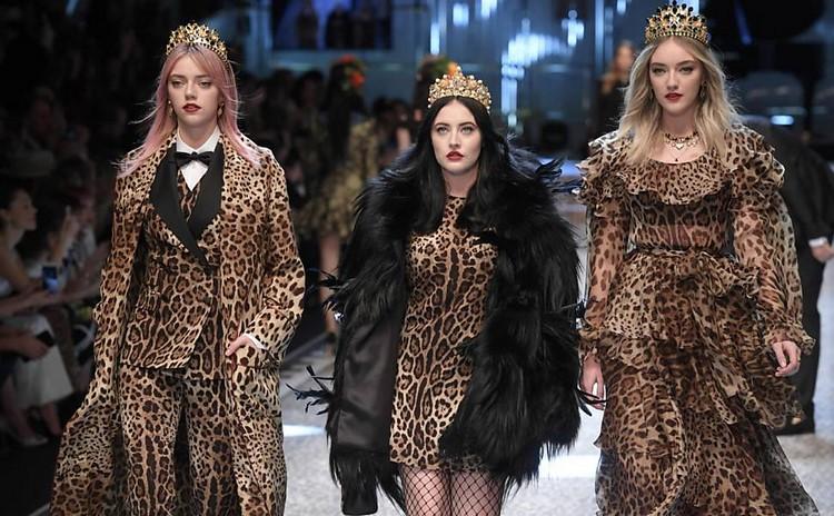 Modelos desfilam na Semana de Moda de Milão (Foto: folha.uol.com.br)