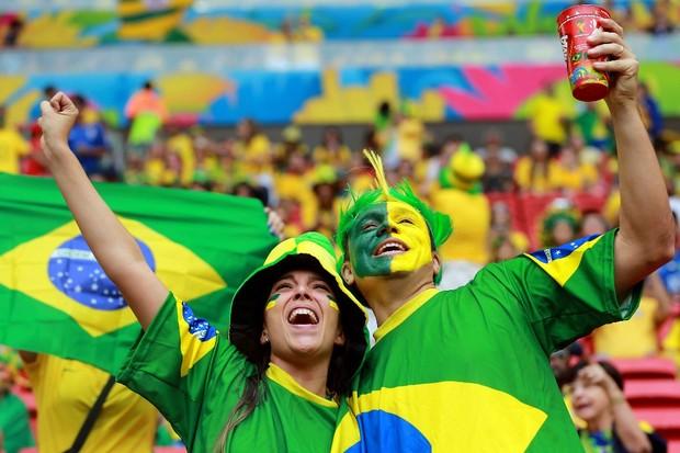 Jogo do Brasil altera horário de funcionamento de empresas e órgãos públicos